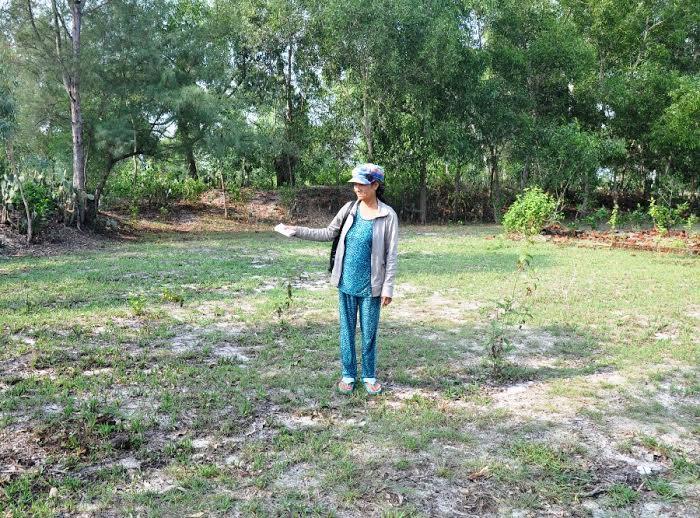 Hơn 16 năm sau, bà Trương Thị Thu ở khối phố Phú Phong mới biết thửa đất bị cấp chồng cho bà Trần Thị Thu.
