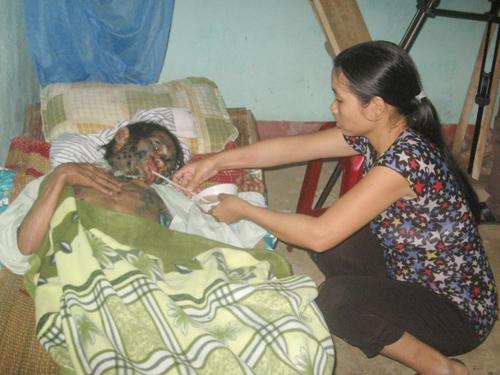 Gia đình anh Nguyễn Văn Hùng rất cần sự quan tâm giúp đỡ của các nhà hảo tâm.
