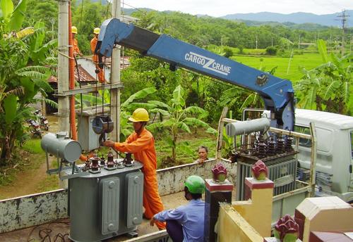 PC Quảng Nam thường xuyên đôn đốc các đơn vị kiểm tra mức độ mang tải và đã hoán chuyển hợp lý các máy biến áp vận hành non tải, quá tải.