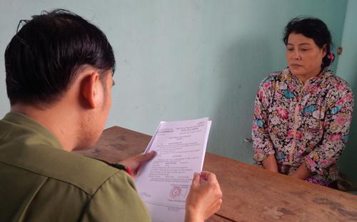 Nguyễn Thị Thanh tại cơ quan công an.  Ảnh: Kim Thái