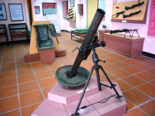 Hiện vật trưng bày tại Nhà trưng bày truyền thống cách mạng Hội An.