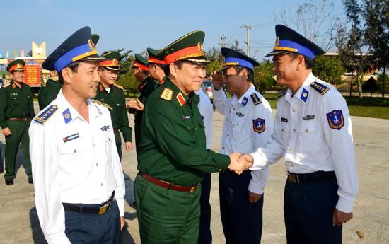 Thượng tướng Ngô Xuân Lịch thăm cán bộ, chiến sĩ Bộ Tư lệnh Vùng CSB 2.