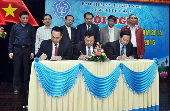 Các tỉnh thành trong Cụm thi đua số IV ký kết giao ước thi đua năm 2015.