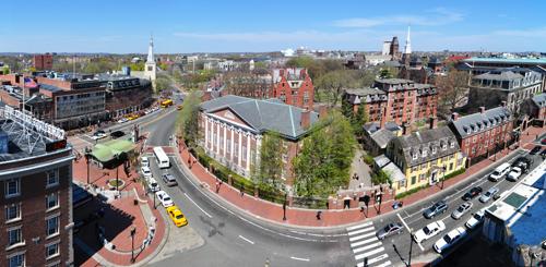 Trường Đại học Harvard (bang Massachusetts, Mỹ).