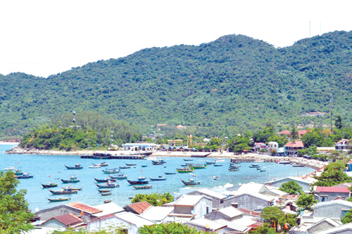 Phát triển du lịch đã trở thành hướng đi ưu tiên của nhiều địa phương, trong đó có Cù Lao Chàm. Ảnh: VĨNH LỘC