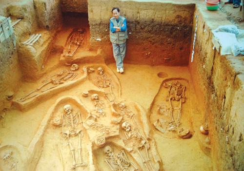 Khai quật di chỉ Bàu Dũ ở Tam Xuân, Núi Thành ngày 15.8.2014.                          Ảnh: MAI HỒNG LÂM