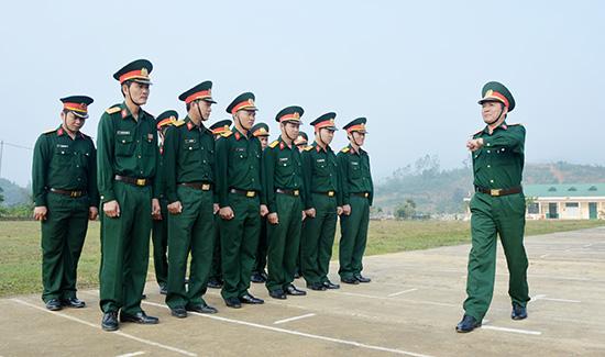 Trung đoàn T85 duy trì huấn luyện tại chức hằng tuần.Ảnh: Tuấn Anh