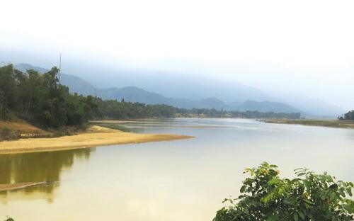 Nơi đất ngã ba sông. ảnh: H.L