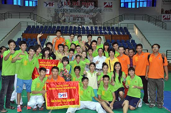 Đội tuyển Taekwondo TP.Hồ Chí Minh tại giải Taekwondo toàn quốc diễn ra tại Quảng Nam năm 2012. Ảnh: AN NHI