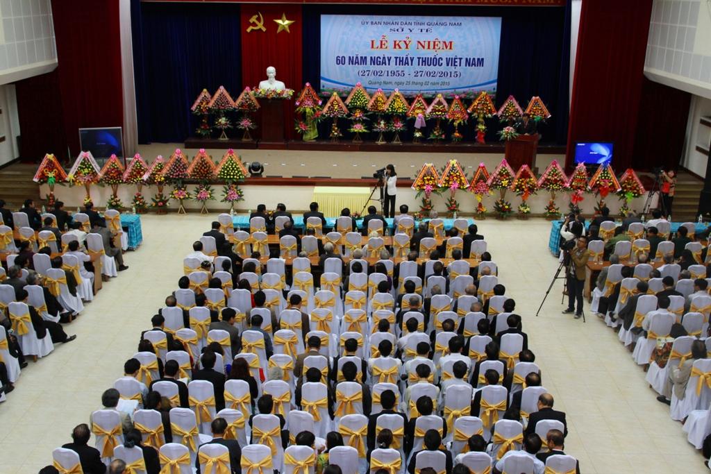 Đông đảo đại biểu đã đến dự lễ kỷ niệm 60 năm ngày Thầy thuốc Việt Nam