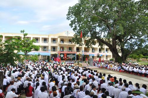 Trường THPT Trần Cao Vân (Tam Kỳ) là 1 trong 2 trường đạt chuẩn.