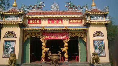 Nhà thờ tộc Võ Văn được xây dựng khang trang.     Ảnh: G.BIÊN