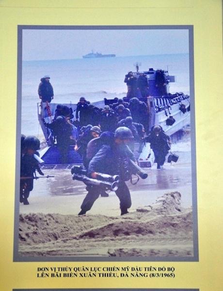 Những lính Mỹ đầu tiên đổ bộ lên bãi biển Xuân Thiều, Đà Nẵng