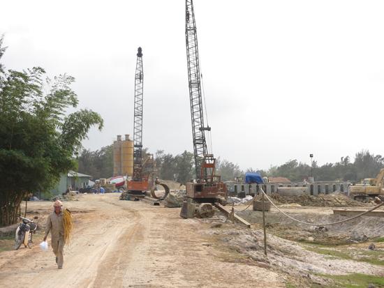Con đường nối từ cầu Cửa Đại đến Chu Lai sẽ sớm được thông xe kỹ thuật, kết nối liên vùng.