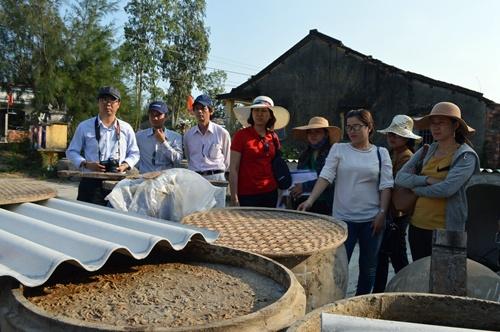 Khảo sát làng nghề nước mắm Cửa Khe