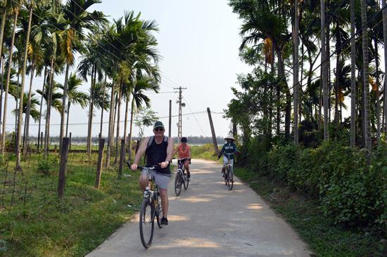 Sông nước Đông Bình trở thành điểm đến thu hút khách bên ngoài di sản Đô thị cổ Hội An.