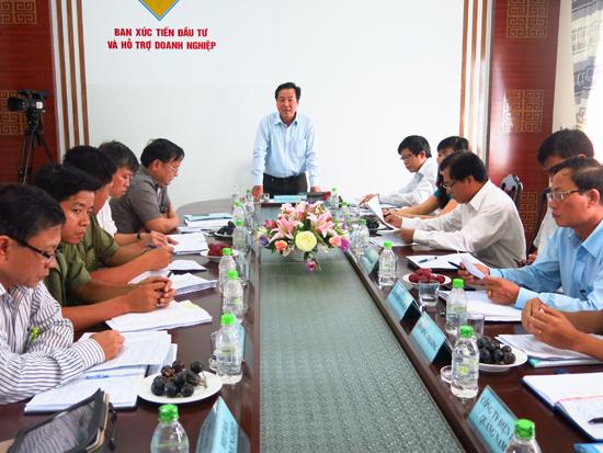 Phó Chủ tịch UBND tỉnh Huỳnh Khánh Toàn chủ trì buổi tiếp doanh nghiệp định kỳ hàng tháng. Ảnh: T.D