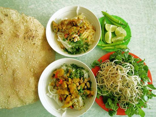 Mì Quảng là một trong những món ăn đặc trưng xứ sở, gợi nhiều xúc cảm cho người xa quê khi thưởng thức.