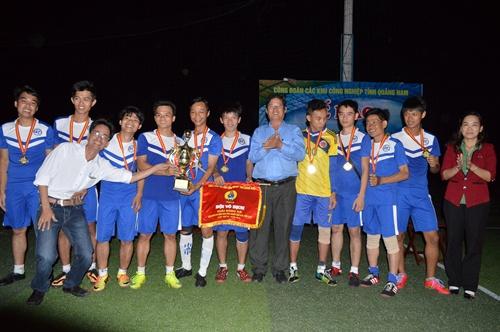 Đội Công ty TNHH MTV Con đường xanh đạt ngôi vô địch