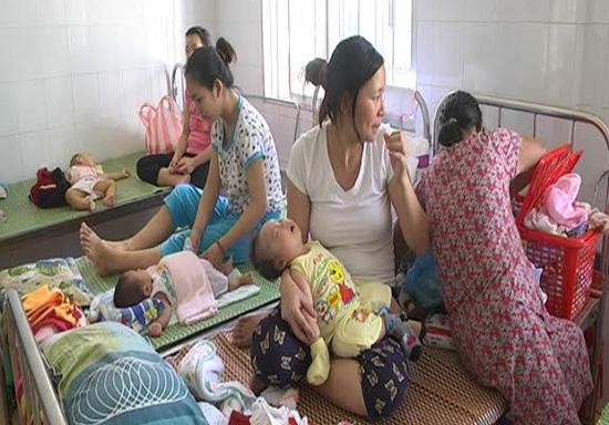 Nhiều trẻ từ 0 - 6 tuổi nhập viện vì tiêu chảy cấp.