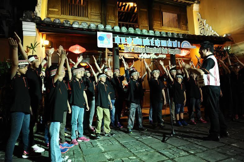 """Đoàn hợp xướng nhí Malaysia tham gia biểu diễn """"giai điệu đường phố"""""""