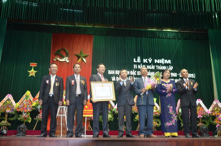 Ban Binh vận Đặc khu Quảng Đà vinh dự đón nhận danh hiệu Anh hùng Lực lượng vũ trang nhân dân.