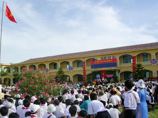 Trường THCS Nguyễn Du. Ảnh: X.P
