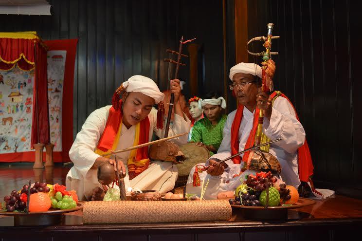 Tái hiện một nghi thức tôn giáo của người Chăm xưa.