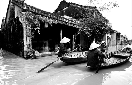 """Một tác phẩm trong bộ ảnh """"Hội An với con người"""" của Dương Phú Tâm - tác phẩm đoạt giải khuyến khích."""