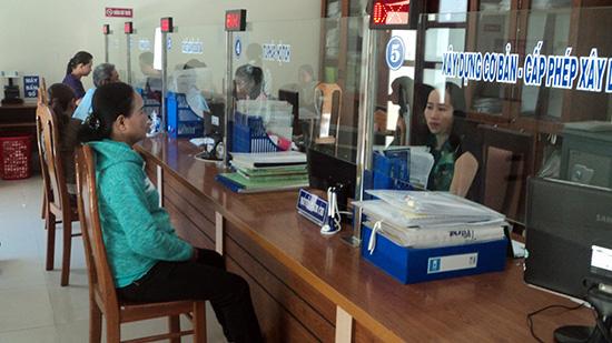 Điện Bàn đang từng bước củng cố nhân lực đáp ứng yêu cầu phục vụ công dân. Ảnh: Phạm Lộc