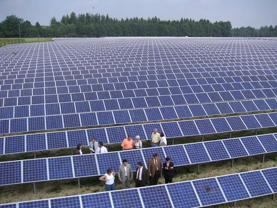 """Cuộc """"cách mạng xanh""""- năng lượng mặt trời đang được triển khai tại Ấn Độ. ảnh: Climateparl"""