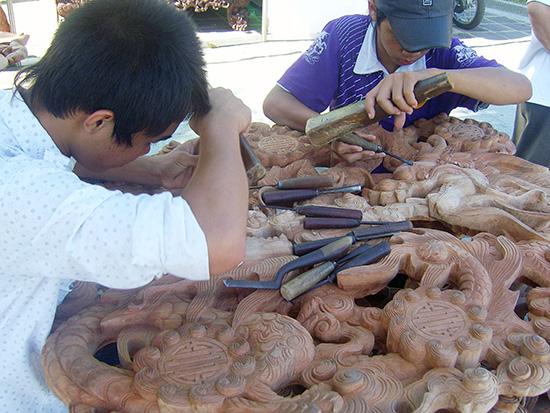 Sản phẩm mộc Kim Bồng ngày càng bị cạnh tranh.