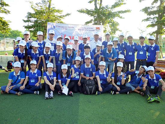 Sinh viên đồng hương Thăng Bình làm lễ ra quân tiếp sức mùa thi tại TP.Đà Nẵng. Ảnh: NGUYỄN ANH