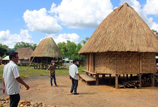 Nhà tộc họ truyền thống Cơ Tu tại làng Pơr'ning. Ảnh: ALĂNG NGƯỚC