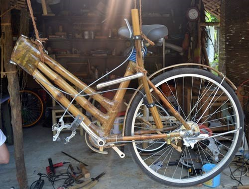 Bamboo bicycle – unique product of Mr. Muoi and his son