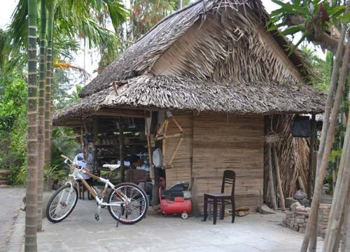 Muoi's workshop becomes famous for bamboo bicyles.