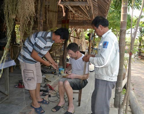 The success of Muoi's workshop has brought more job opportunities for local people.