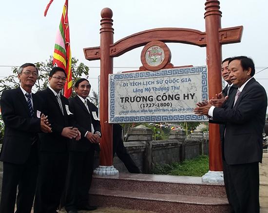Lễ công bố di tích lịch sử quốc gia Lăng mộ Thượng thư Trương Công Hy.
