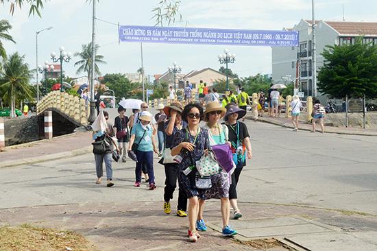 Quảng Nam - điểm đến hấp dẫn du khách và đã trở thành một trong những trung tâm du lịch của cả nước. Ảnh: V.LỘC