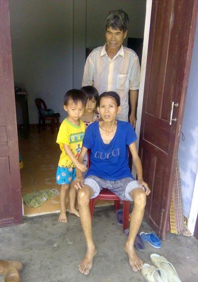 Hoàn cảnh khốn khó của gia đình anh Lộc, chị Bảy.