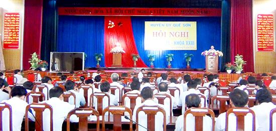 Nhiệm vụ giáo dục chính trị tư tưởng cho cán bộ, đảng viên luôn được Huyện ủy Quế Sơn chú trọng thực hiện.