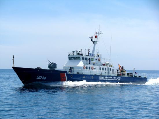 Tàu Bộ Tư lệnh Vùng CSB2 thực thi nhiệm vụ trên biển.Ảnh: T.Tường