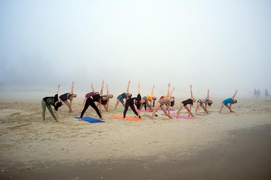 Tập thể dục thường xuyên là cách để chăm sóc sức khỏe. Ảnh: A.T