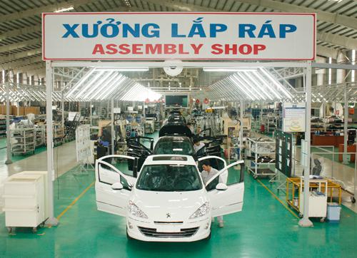 Xưởng lắp ráp xe Kia tại Khu liên hợp sản xuất - lắp ráp ô tô Chu Lai Trường Hải.