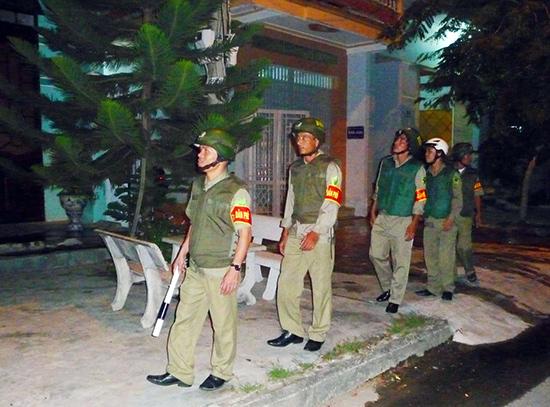 Lực lượng bảo vệ dân phố phường Tân Thạnh thường xuyên tuần tra, đảm bảo an ninh trật tự.  TRONG Ảnh: Công an phường Tân Thạnh cung cấp. Ảnh: V.HÀO