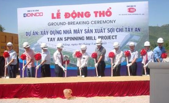 The groundbreaking ceremony of the thread manufacturing factory in Tan An Industry Cluster (Duy Trung Commune). Picture: H.T