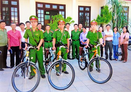 """Công an phường Sơn Phong ra mắt mô hình """"cảnh sát khu vực thân thiện""""."""