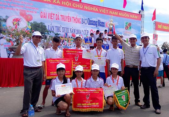 Nhiều năm qua, Duy Xuyên luôn giữ vững thành tích nhất toàn đoàn khối thi đấu các Phòng GD-ĐT tại giải Việt dã truyền thống Báo Quảng Nam.         Ảnh: Thành Linh