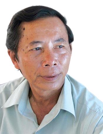 Chân dung nhà văn Nguyễn Bá Thâm.
