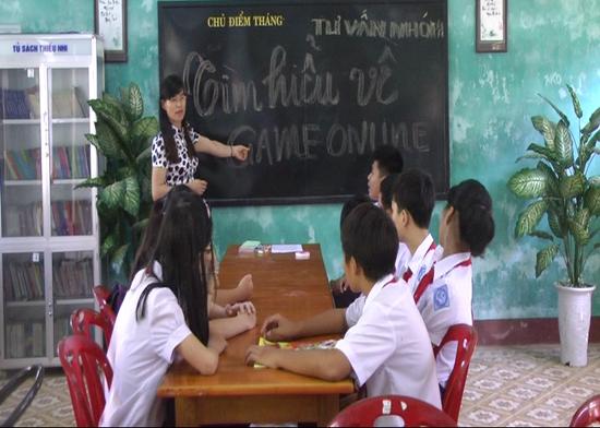 Tư vấn cho học sinh trở thành hoạt động thường xuyên ở Trường THCS Lê Hồng Phong, TP.Tam Kỳ. Ảnh: VÕ TRƯỜNG